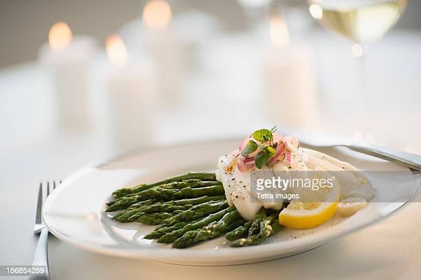 usa, new jersey, jersey city, seafood on plate in restaurant - フラットフィッシュ ストックフォトと画像