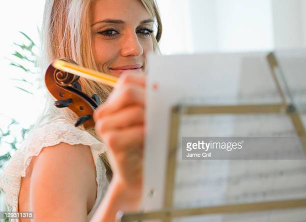 USA, New Jersey, Jersey City, Woman composing music