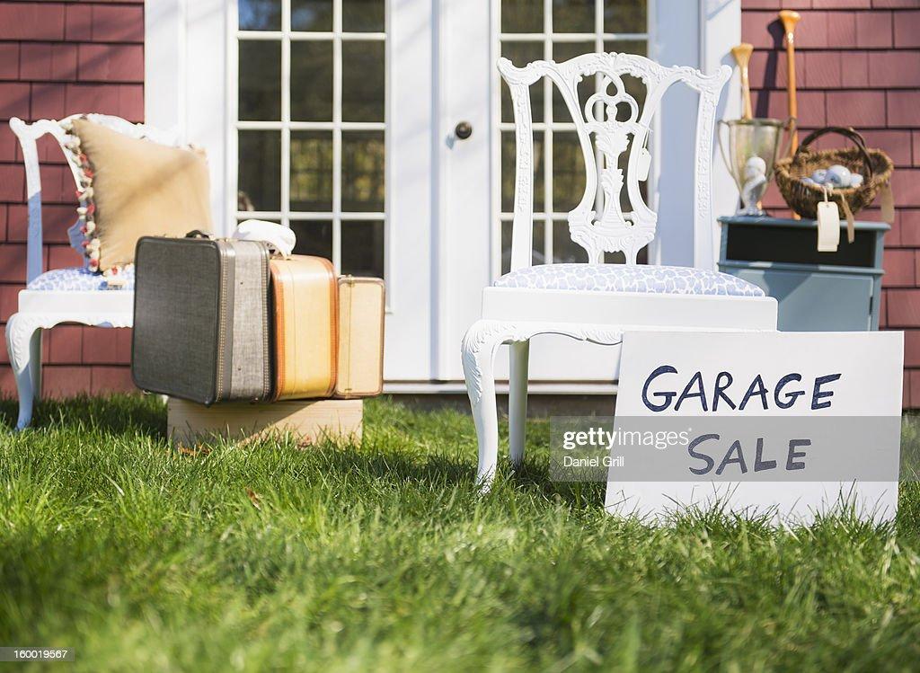 USA, New Jersey, Mendham, Garage sale : Stock Photo