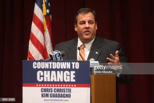 New Jersey Republican nominee for Governor Chris Christie speaks to residents at a senior housing center November 2, 2009 in Tinton Falls, New...