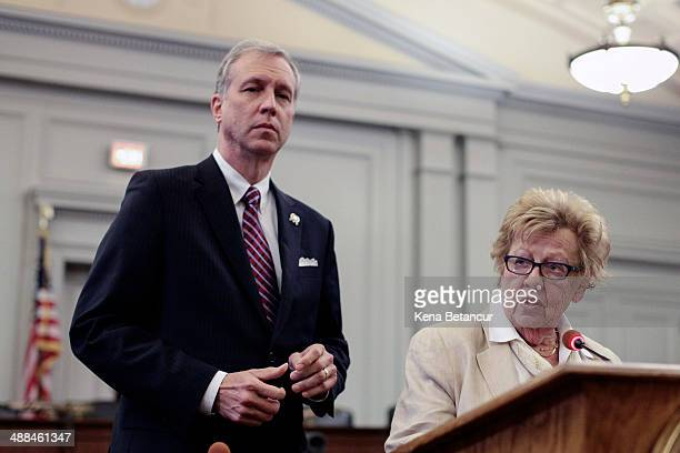 New Jersey State Senators Loretta Weinberg and John Wiesniewsk attends a press conference after a hearing with Christina Renna a former aide to Gov...