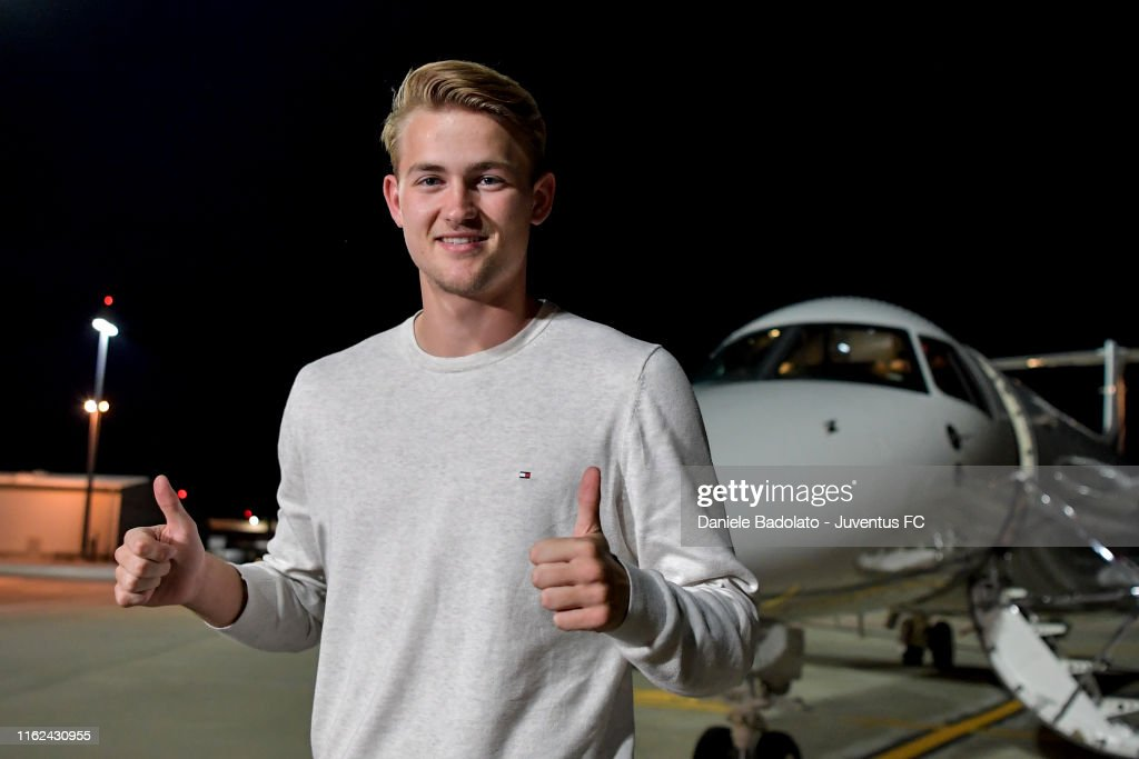 New Juventus Signing Matthijs de Ligt Arrives in Turin : Fotografía de noticias