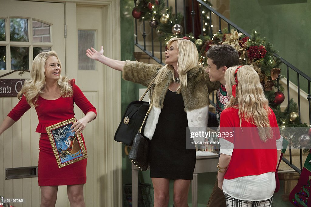 MELISSA & JOEY - 'A New Kind of Christmas' - Jaime Pressly drops by as Mel's sister Meredith, who comes home from prison on furlough to celebrate Christmas with the kids and Mel, and seems unruffled by Joe's obvious animosity towards her. 'A New Kind of Christmas' airs Wednesday, December 11th at 8:00PM ET/PT on ABC Family. ROBINSON