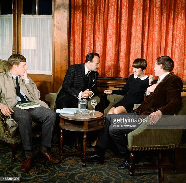 SPECIAL 'A New Look at Olde England' Pictured NBC News' Sander Vanocur interviews British university students in London England on May 17 1965 during...