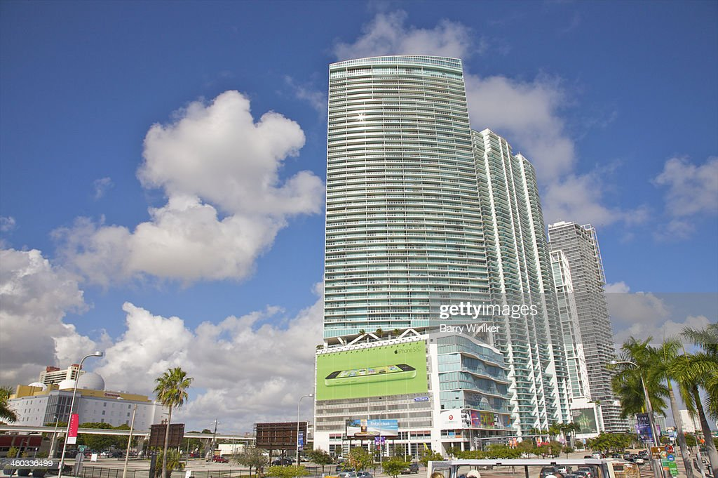 New Luxury Apartment Buildings In Downtown Miami Stock Photo