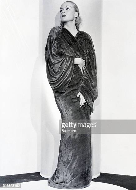 11/7/1933A new material and color is introduced by blonde Carol Lombard Paramont player The material is called Deep Ply Velour and the color is a...
