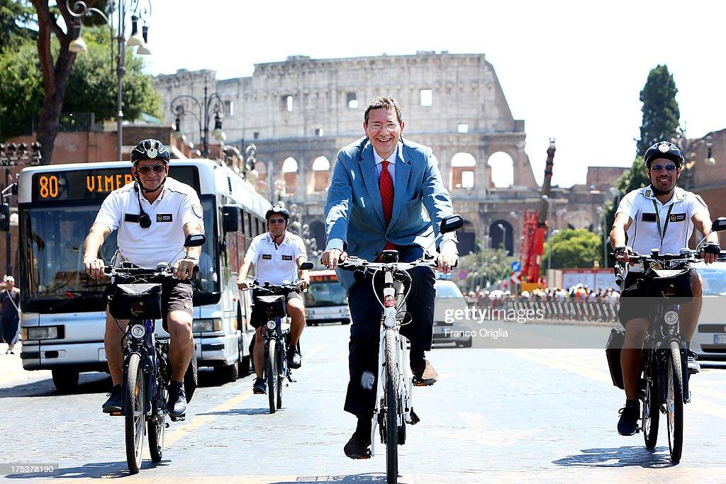 Rome To Ban Private Traffic In Via dei Fori Imperiali : News Photo