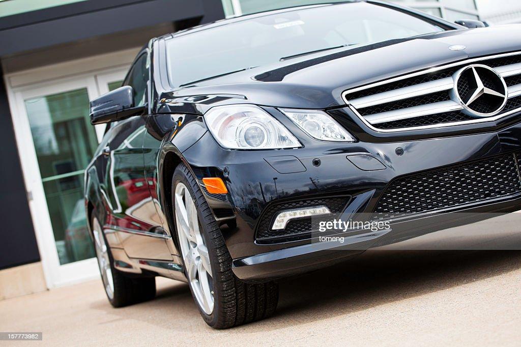 Nuevo Mercedes Benz clase E vehículo : Foto de stock