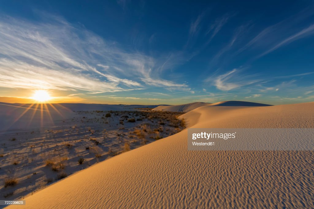 USA, New Mexico, Chihuahua Desert, White Sands National Monument, landscape at sunrise : Stock Photo