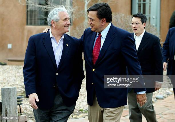 New Mexico Governor Bill Richardson and former Secretary of Veterans Affairs Anthony Principi prepare to board an Air Force plane for a flight to...