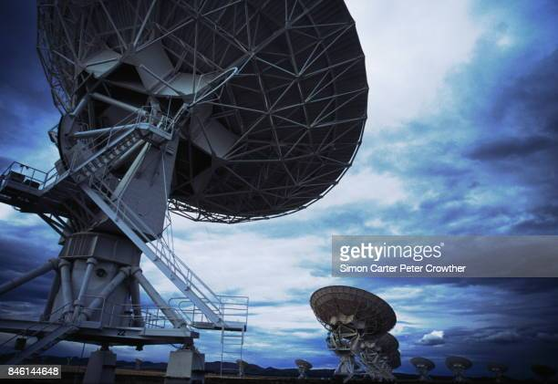 usa, new mexico, vla, radio satellite dishes. - national radio astronomy observatory stock pictures, royalty-free photos & images