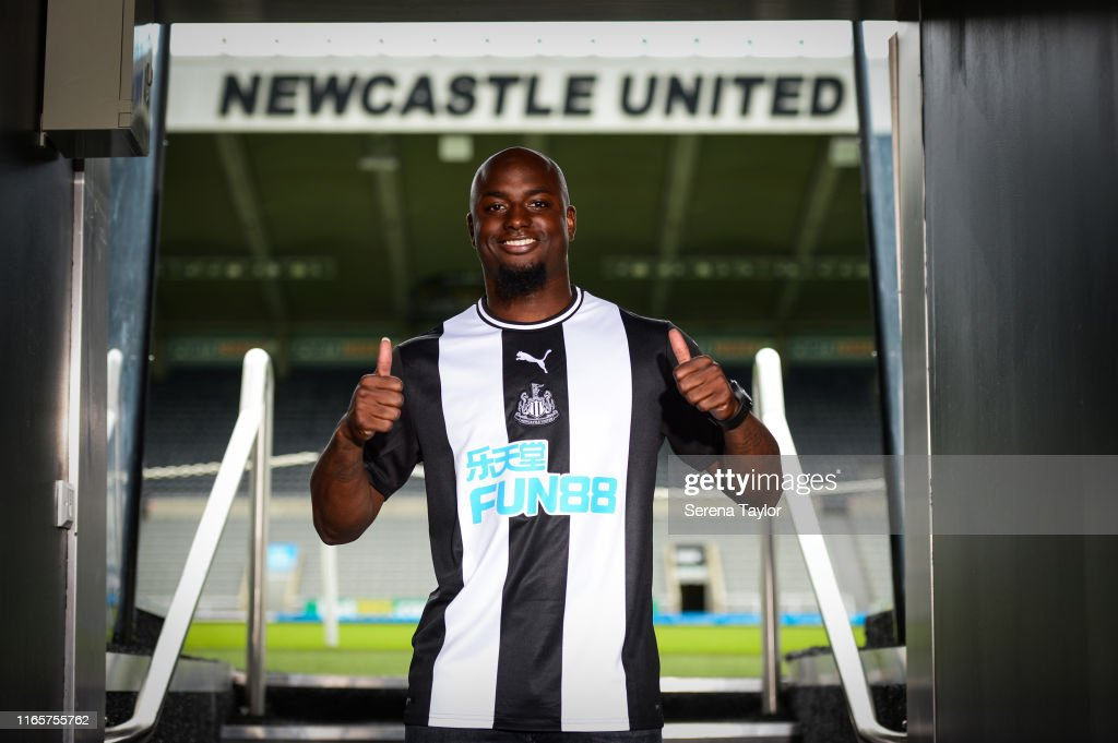 Newcastle United Unveil New Signing Jetro Willems : News Photo