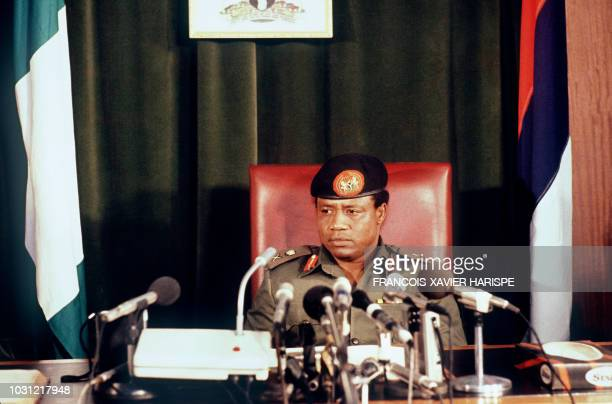 New Nigerian leader Ibrahim Babangida takes oath at the government's headquarters in Lagos 02 September 1985. Bagangida was overthrown previously by...