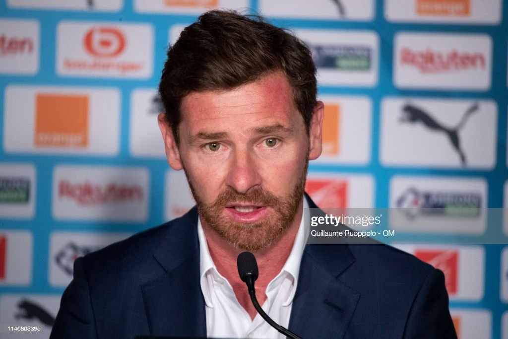 New Olympique de Marseille Coach Andre Villas-Boas Press Conference... : Photo d'actualité