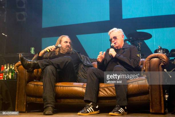 New Order Spoken Words die englische NewWave und PostPunkBand im Interview beim Reeperbahnfestival 2015 Musikfestival in den Clubs um die Hamburger...