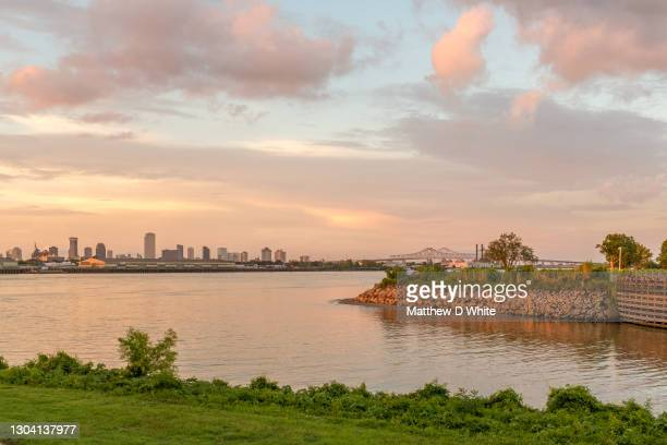 new orleans and mississippi river - new orleans city stock pictures, royalty-free photos & images