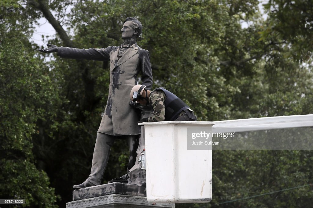 New Orleans Prepares To Remove More Civil War Monuments : News Photo