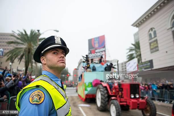 new orleans police officer on duty - mardi gras parade stock photos and pictures