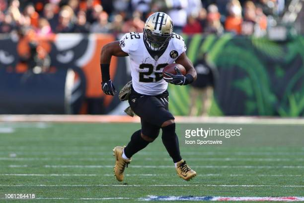 New Orleans Saints running back Mark Ingram carries the ball during the game against the New Orleans Saints and the Cincinnati Bengals on November...