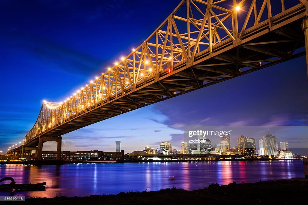 ニューオーリンズの夜の街並み、米国ルイジアナ : ストックフォト