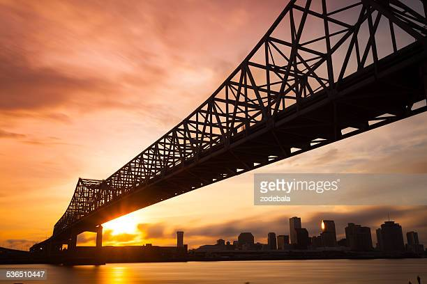 Skyline bei Sonnenuntergang in New Orleans, Louisiana, USA