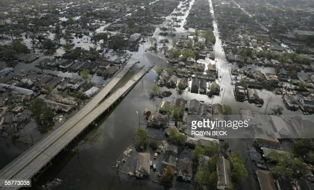 New Orleans, UNITED STATES: Areas of the Ninth Ward in New Orleans are still flooded after Hurricanes Katrina and Rita, 26 September 2005. New...