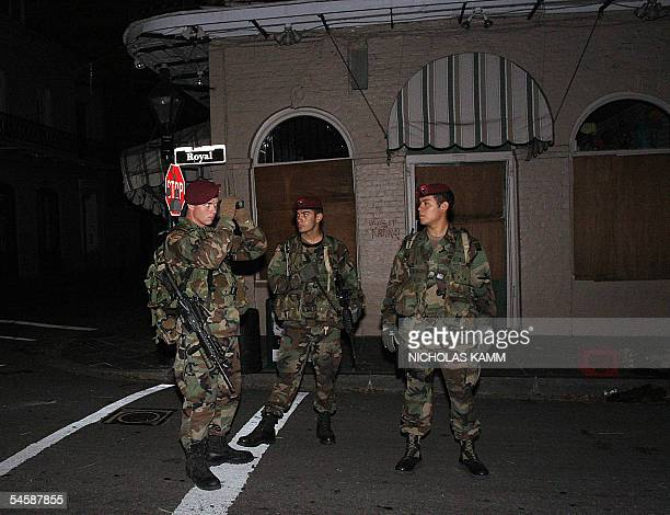 New Orleans, UNITED STATES: Soldiers from the US army 82nd Airbone Division patrol the streets in the French Quarter of New Orleans 04 September one...
