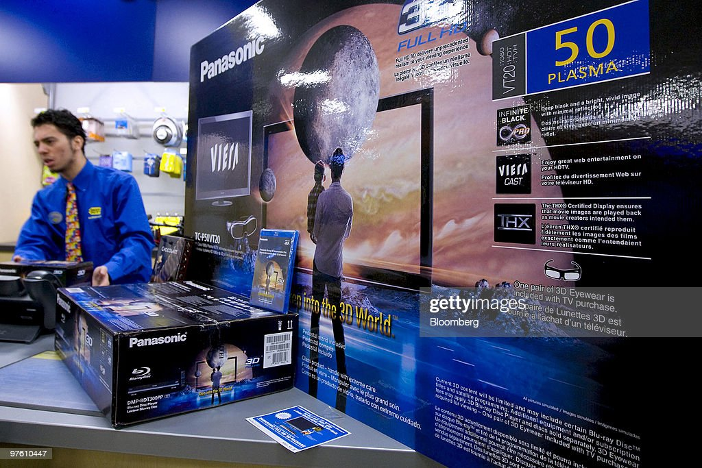 385877c36d5 Best Buy Sells First Panasonic 1080p HD 3-D Home Theater System   News Photo