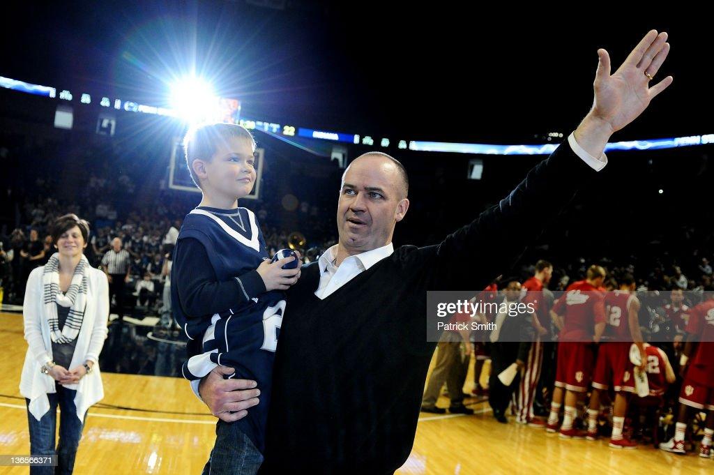 New Penn State Head Football Coach Bill O'Brien Attends Men's Basketball Game : News Photo