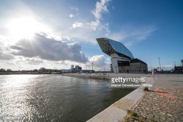 new port house - アントワープ ストックフォトと画像