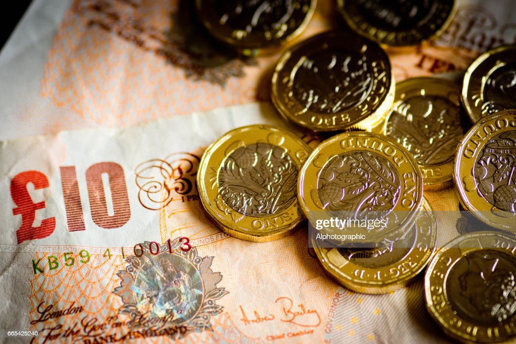 New pound coin released 2017 and notes : Stock Photo