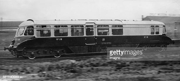 A new railcar of the Great Western Railway Lambourne 3th April 1937 Photograph