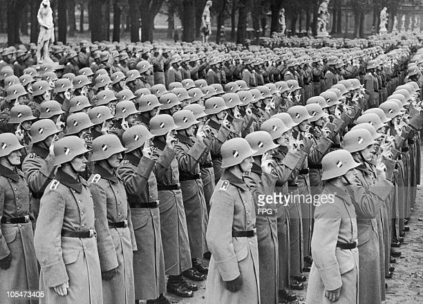 New recruits to the German army at their swearing-in ceremony in the Lustgarten, Potsdam, at the start of their period of military service, Germany,...