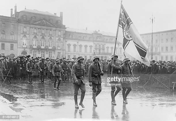 New Revolutionary troops marching before Hotel Adlon in Unter der Linden street.