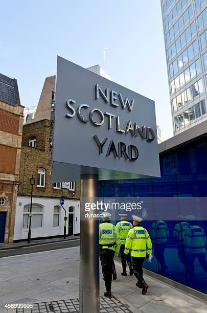 new scotland yard sign, london - new scotland yard stock pictures, royalty-free photos & images