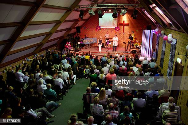 new season in church - pinksteren stockfoto's en -beelden