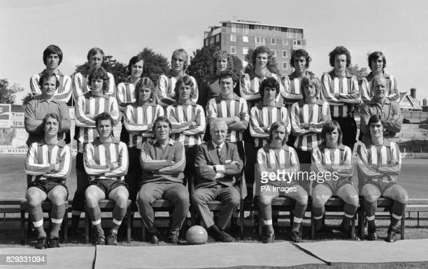 New season's picture of Southampton Football Club's first team squad. Back : Paul Bennett, Joe Kirkup, Tony Byrne, Ron Davies, Eric Martin, Jim...
