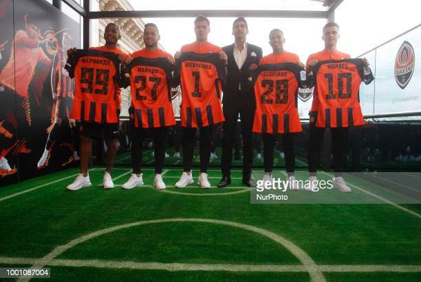 New Shakhtar Donetsk players FernandoMaiconAlexey Shevchenko head coach Paulo FonsecaMarquinhos Cipriano and Junior Moraes attend their official...