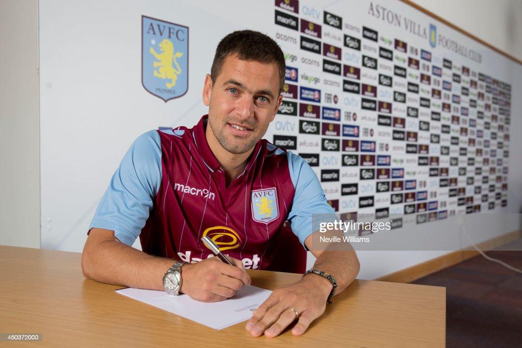 Aston Villa Sign Joe Cole
