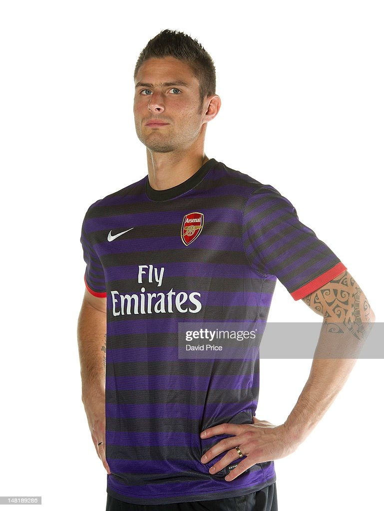 promo code c5519 a16a1 New Signing Olivier Giroud of Arsenal models the new Arsenal ...