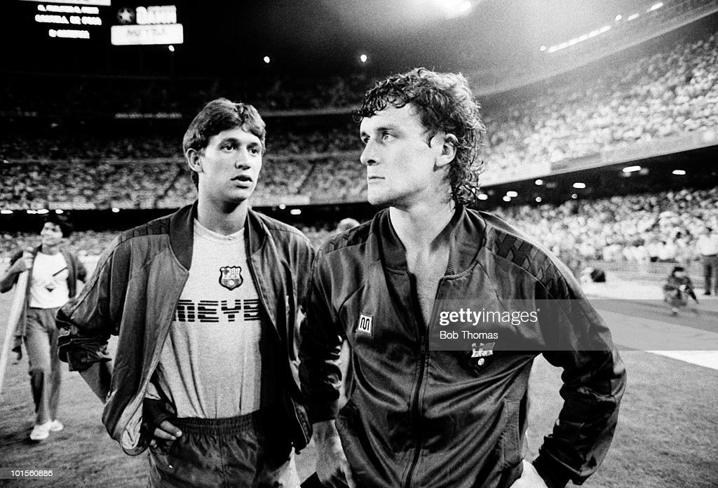 New signings for Barcelona, Gary Lineker (left) and Mark Hughes, pictured during the Gamper Tournament held at The Nou Camp Stadium, Barcelona on 19th August 1986. (Bob Thomas/Getty Images).