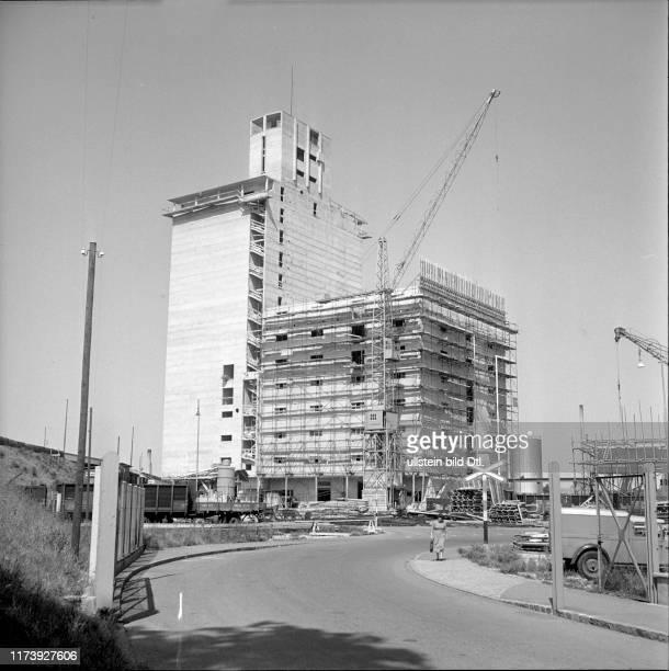 New silo tower of Neptun SA Rhine harbour Kleinhüningen 1952