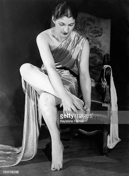 New stockings presented in Paris include gloves for feeton February 16 1932