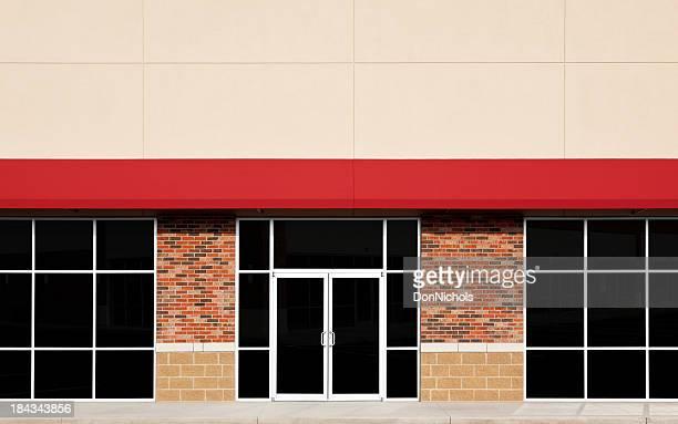 Nouveau magasin le devant