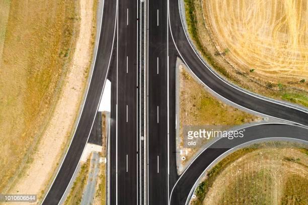 novo trecho de estrada federal - grade de proteção - fotografias e filmes do acervo