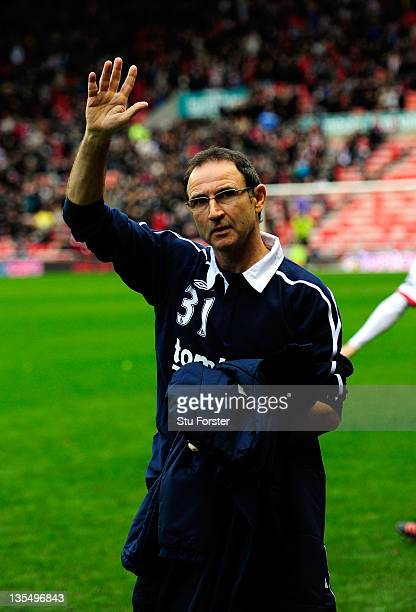 New Sunderland manager Martin O' Neill waves to the fans before the Barclays premier league game between Sunderland and Blackburn Rovers at Stadium...
