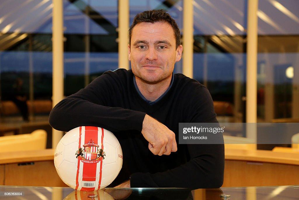 Sunderland AFC Unveil New Signing Steve Harper