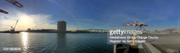 New tall shiptoshore cranes and gantry cranes in the Middle Harbor in the Port of Long Beach on Thursday ///ADDITIONAL INFORMATION Slug ports0125jag...