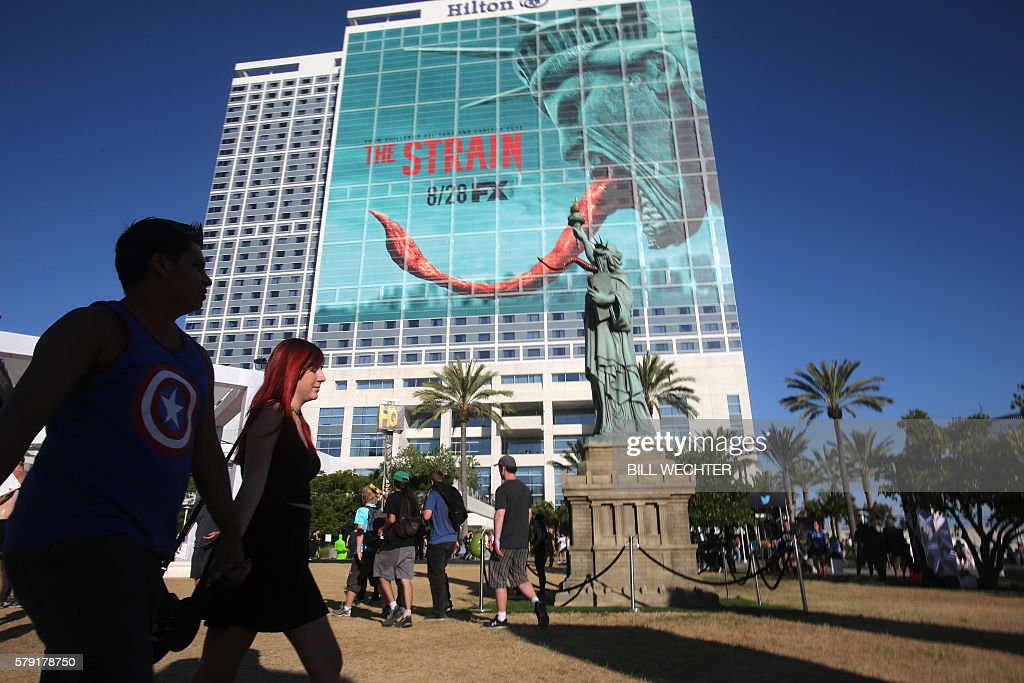 A new TV series on FX called The Strain is advertised on the Hilton Hotel during Comic-Con International 2016 in San Diego, California, July 22, 2016. / AFP / Bill Wechter