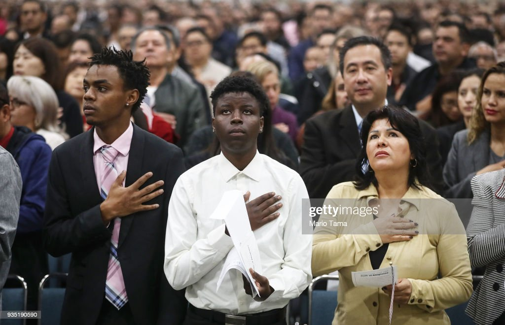 Thousands Of Immigrants Are Naturalized In Citizenship Ceremony At  L.A. Convention Center